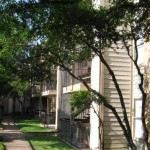 Bachman Oaks Apartment Road View