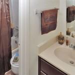 Canyon Creek Apartment Bath Room
