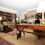Drexel Park Hollow Apartment Living Room
