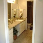 Grand Seasons Apartment Bathroom
