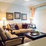 Kensington Square I & II Apartment Living Area