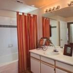 La Salle Apartment Bathroom