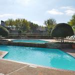 Sunset Oaks Apartment Pool