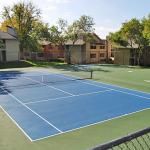 Sunset Oaks Apartment Tennis Court