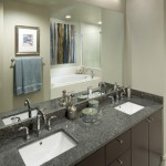 1400 Hi Line Apartment Bathroom