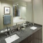 1400 Hi Line Apartment Bathroom