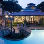 Amesbury Parc Apartment Pool