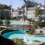 Amesbury Parc Apartment Pool Area