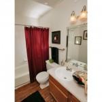 Meadow in Village Apartment Bath Room