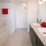 Park 4200 Apartment Model Bathroom